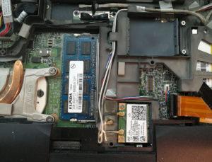 図06.表面の純正RAM