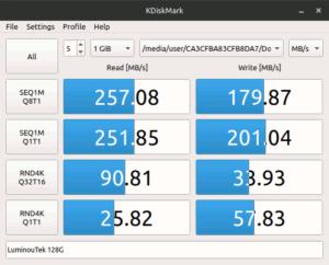図08.VPCF135FG Ubuntu 18.04 KDiskMark